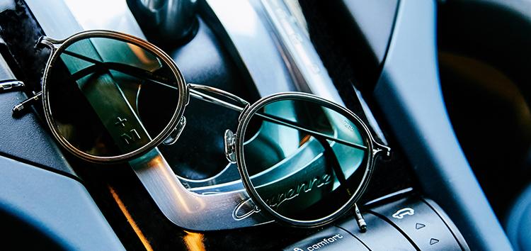 繊細な美観が光るアイヴァン7285のサングラス